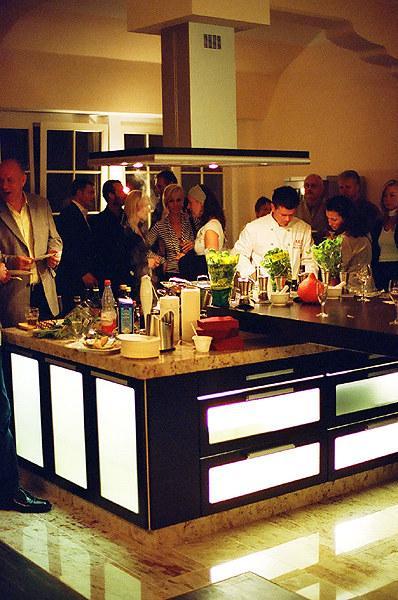 feuerwassereis kochen erleben i kochschule in leipzig. Black Bedroom Furniture Sets. Home Design Ideas